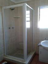 Hillcrest Self-Catering Holiday Apartment - Bathroom