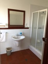 Gourikwa Reserve - Gourikwa Cottages - Bathroom with shower and bath