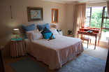 Mossel Bay Golf Lodge - Luxury Bedroom