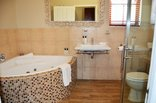 Mandyville Hotel - Executive Bathroom