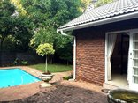 A Bit Of Heaven - Deluxe Ladies or Couple room with share bathroom facility