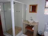 Paddabult Self Catering Cottages - Bathroom