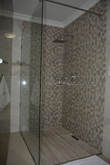 Frinton on Sea 4 - Bathroom