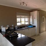 Silver Tides Seaside Accommodation - Sea View Unit 1