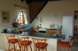 Enchanted Garden Guest Chalet and Cottage - Chalet kitchen