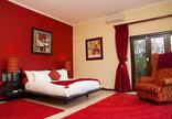 Martins Nest - Red room
