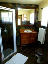 Re A Lora Lodge - en-Suite Bathroom with shower
