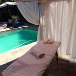Ocean Blue Guest House - Poolside Massage Room