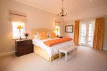 Exquisite Cottage 20 - Main Bedrooom