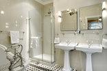 Coopmanhuijs Boutique Hotel & Spa - Deluxe Room Bathroom