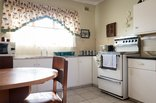Jean-Lee B&B - Alan Paton Cottage Kitchen