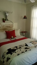 Earthbound B&B - Standard Double Room (R1)