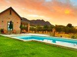 Vineyard Views Country House - Pool with Views of Kasteelberg