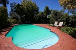 Whispering Oaks Guest House - Outdoor swimming pool