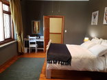 86 on Langenhoven Bed & Breakfast - Pinotage