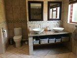 18 on Kloof Bed & Breakfast - Lion Room Bathroom