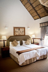 Zebra Country Lodge - Mountain Lodge Room