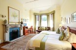 Carmichael Guest House - Luxury Triple Bedroom