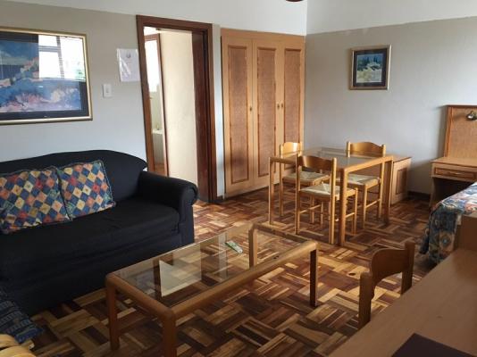 Bachelor - Lounge/Dining area