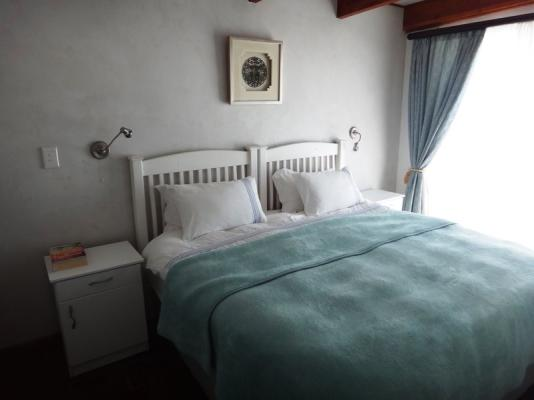 Spykerklip No 3 bedroom with extra long King bed