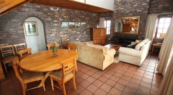 Self-Catering Chalet - Lounge