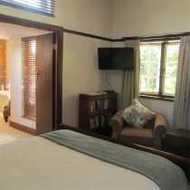 Len's Cottage - bedroom