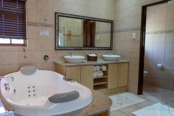 Turnberry Boutique Hotel - 137357