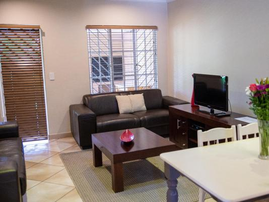 Menlyn Accomodation Home Away From Home - 150502