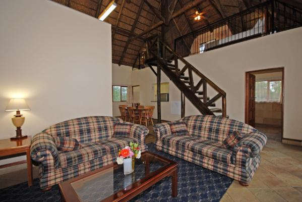 guinea fowl 2 bedroomed self-cateing cottage lounge