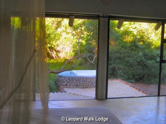 Leopard Walk Lodge Secrets of the Forest A+ Suite Jacuzzi view
