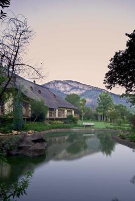 Glenburn Lodge: Exterior 4