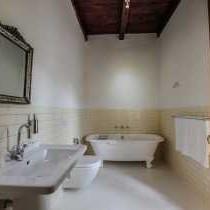 Room 1 (bathroom)