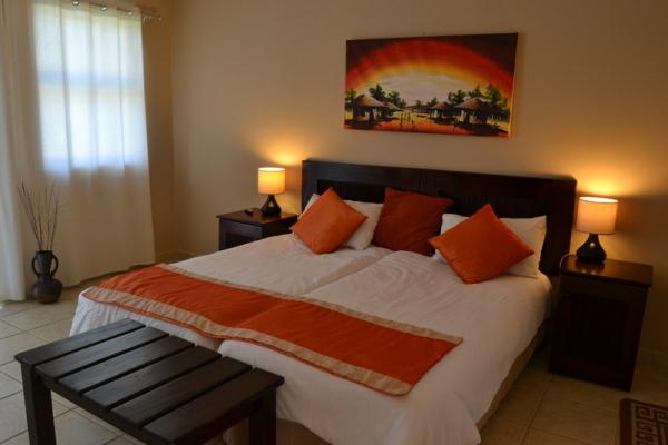 Guest Room with 2 Single Beds