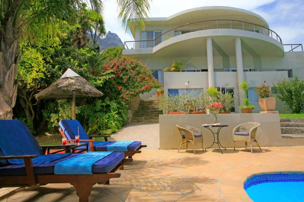 Guest House seen from our pool