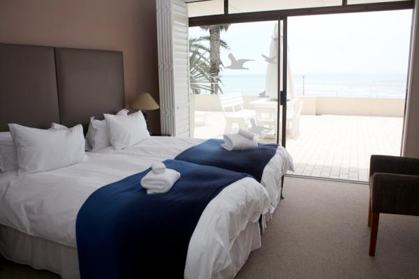 Second Bedroom with sea view