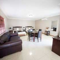 Kleinplasie Guesthouse Family Room