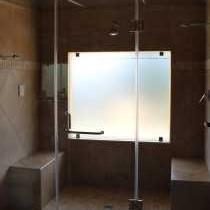 Acacia Luxury Suite bathroom
