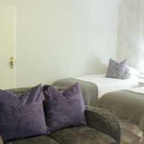 Jacaranda Room 4