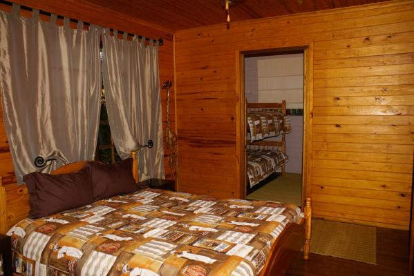 Bush Baby Self Catering Tree Cabin - Bed Room